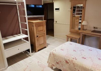Habitaciones dobles, triples e individuales en Jaca